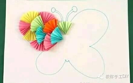 折纸扇子拼贴画:可爱小鱼和美丽蝴蝶