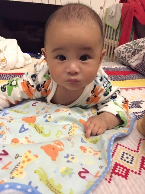 宝宝刚满四个月13斤_宝宝刚满四个月,体重13